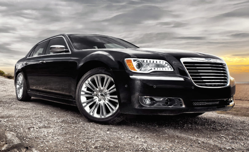 2011-Chrysler-300C-1